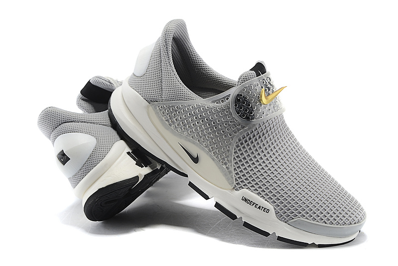 official photos 240b9 d4c2e Achat Deve Nike Air Presto Homme Chaussures Pas Cher Alainhe
