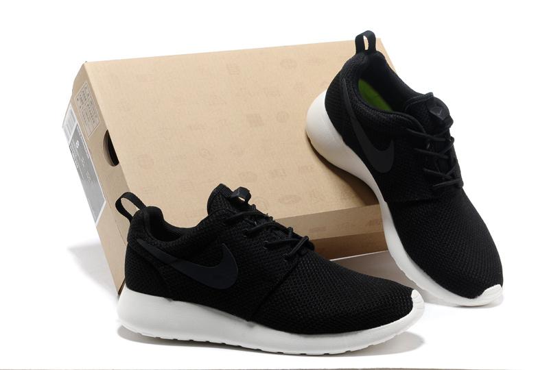 detailed look 6a9d4 8d45e Trouver La Sortie D usine Nike Roshe Run Femme Noir Chaussures Pas Cher  Alainhemet