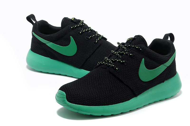 Trouver La Sortie D'usine Nike Roshe Run Femme Noir Chaussures Pas Cher Alainhemet