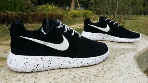 La Chaussures Roshe Nike Run Noir D'usine Pas Trouver Sortie Femme dw8gIqcUx