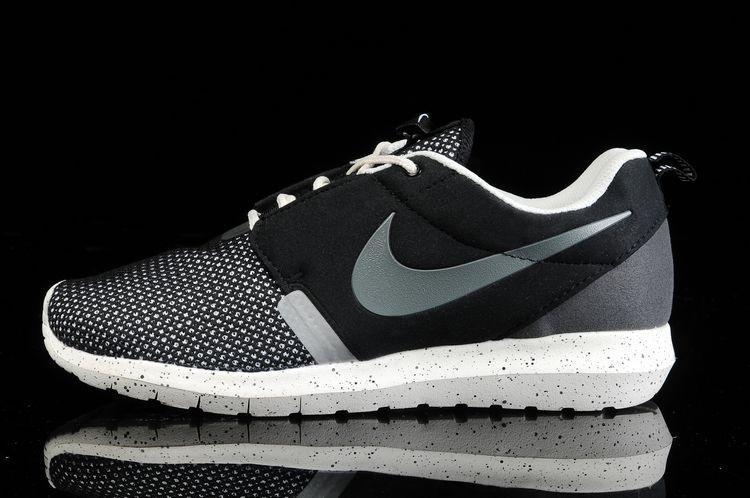 Sortie D'usine Noir Trouver Run La Roshe Femme Pas Nike Chaussures Aj54cLRS3q